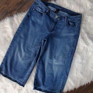 Lane Bryant 16 crop Jeans wide leg VGUC